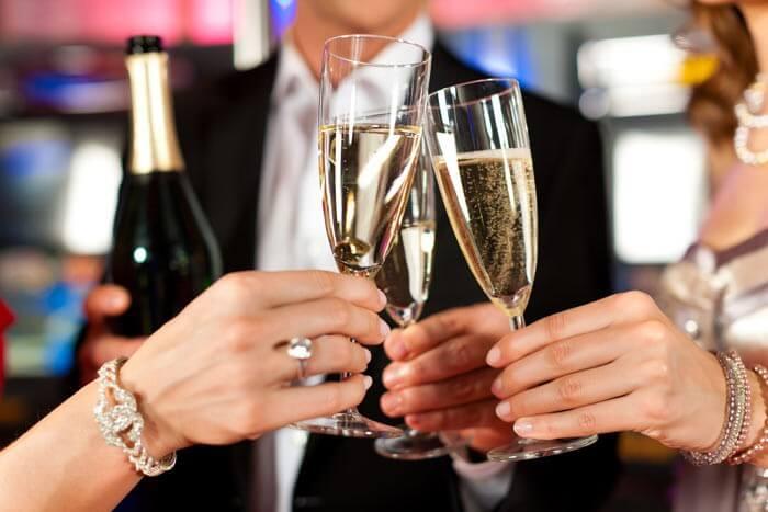 Verlobungsfeier Getränke Sektempfang