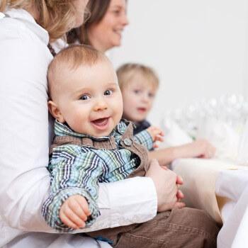 Kind bei der Hochzeit