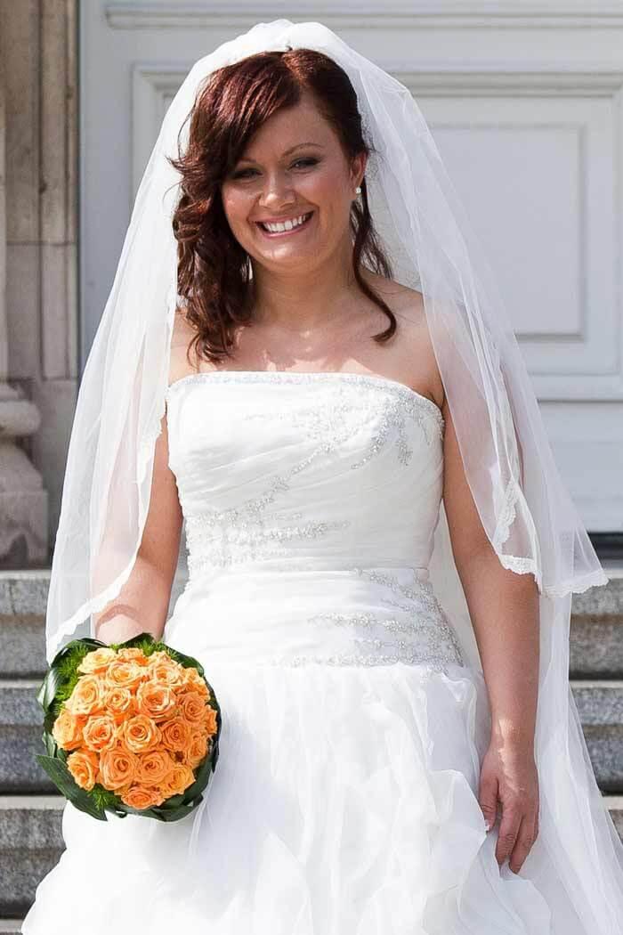 Brautfrisur offen mit Schleier