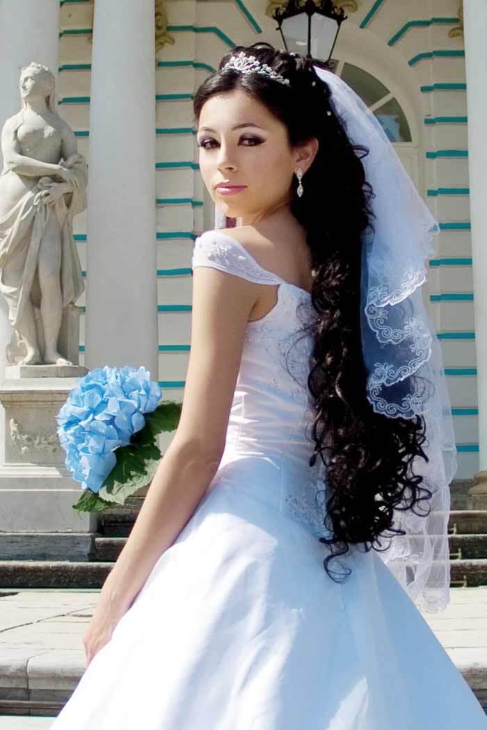 Brautfrisuren lange Haare mit Schleier