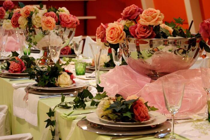 Hochzeitsdeko luxuriös Rosen