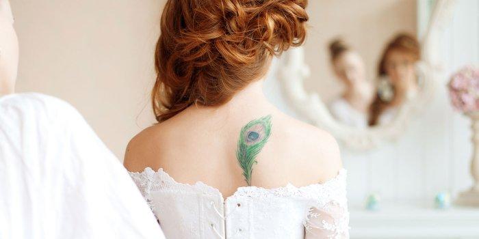 Braut mit Tattoo