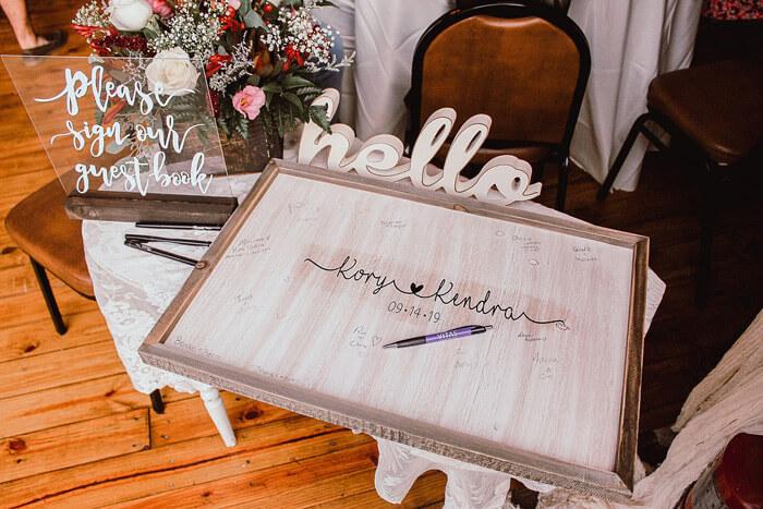 Hochzeitsdeko mit Holz