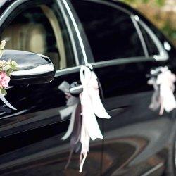 Autoschmuck zur Hochzeit