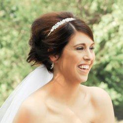 Brautfrisur mit Haarband