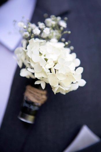 Hochzeitsanstecker Schleierkraut Schneeball