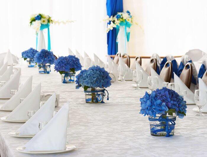 Blumendeko Blau