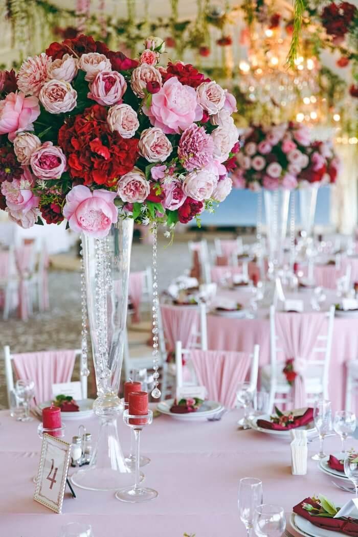 Tischdeko mit Blumen Hochzeit