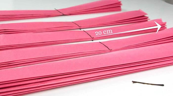 diy riesen papierblumen basteln hochzeitsportal24. Black Bedroom Furniture Sets. Home Design Ideas