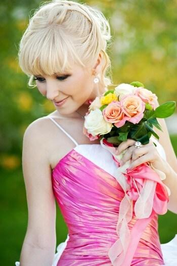 Brautkleid in Pink und Weiß