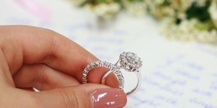 Eheringe mit Diamanten