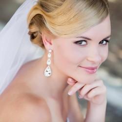 Brautschmuck mit funkelden Ohrringen