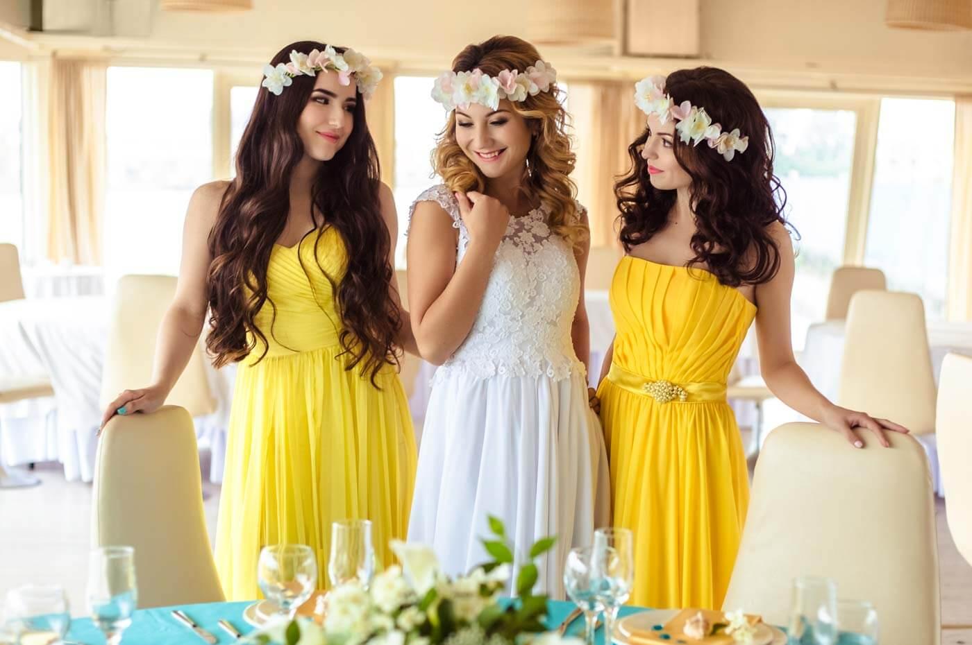 Brautjungfernkleider gelb