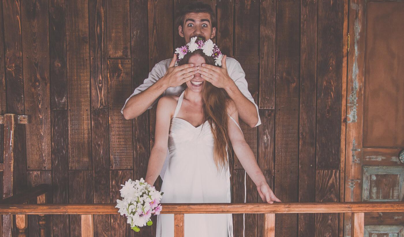 Überraschung zur Hochzeit von eltern, Familie und Freunden