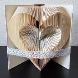 Geschenk gefaltetes Buch