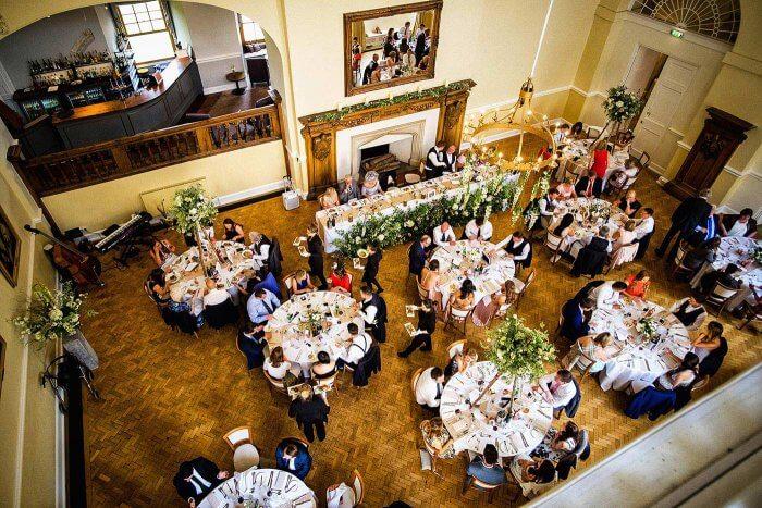 Tischordnung Sitzordnung mit runden Tischen